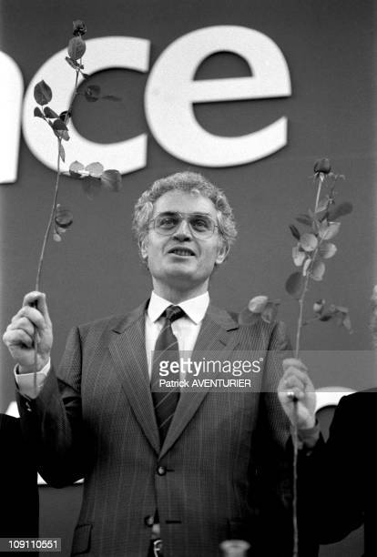 National Convention Of Ps In Alfortville Nb Nb 212643 On January 3 1986 In Alfortville France Lionel Jospin And The Rose B/W 212643