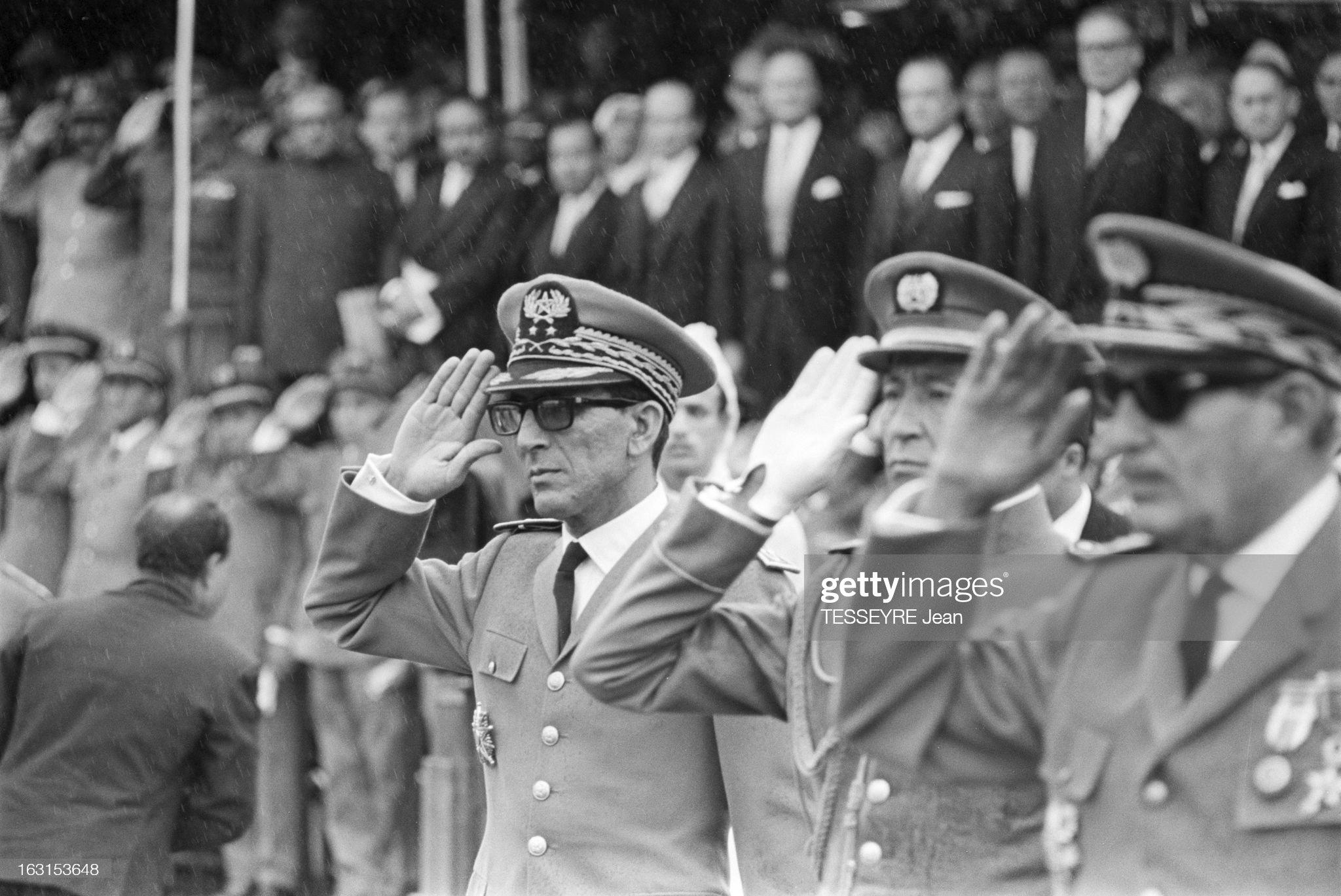 Les généraux de Sa Majesté - Page 10 National-day-in-morocco-au-maroc-le-18-novembre-1965-le-roi-hassan-ii-picture-id163153648?s=2048x2048