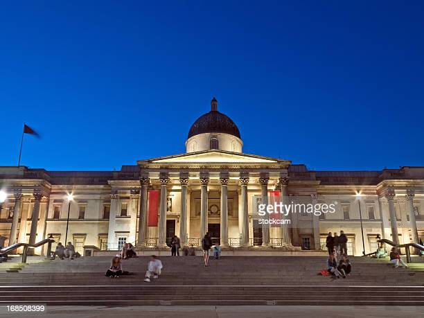 national gallery in london at dusk - national gallery london stock pictures, royalty-free photos & images
