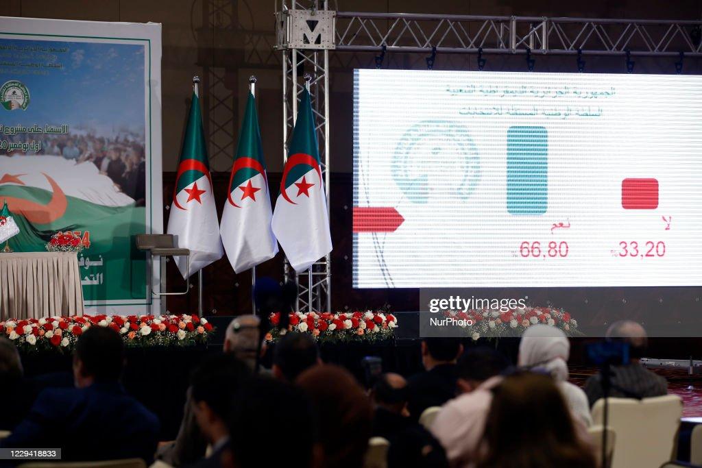 Vote On A New Constitution In Algeria : Nachrichtenfoto