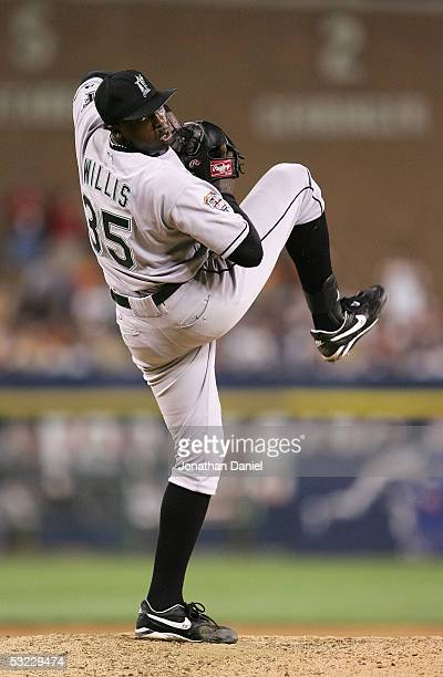 National League AllStar pitcher Dontrelle Willis of the Florida Marlins delivers a pitch during the sixth inning of the 76th Major League Baseball...