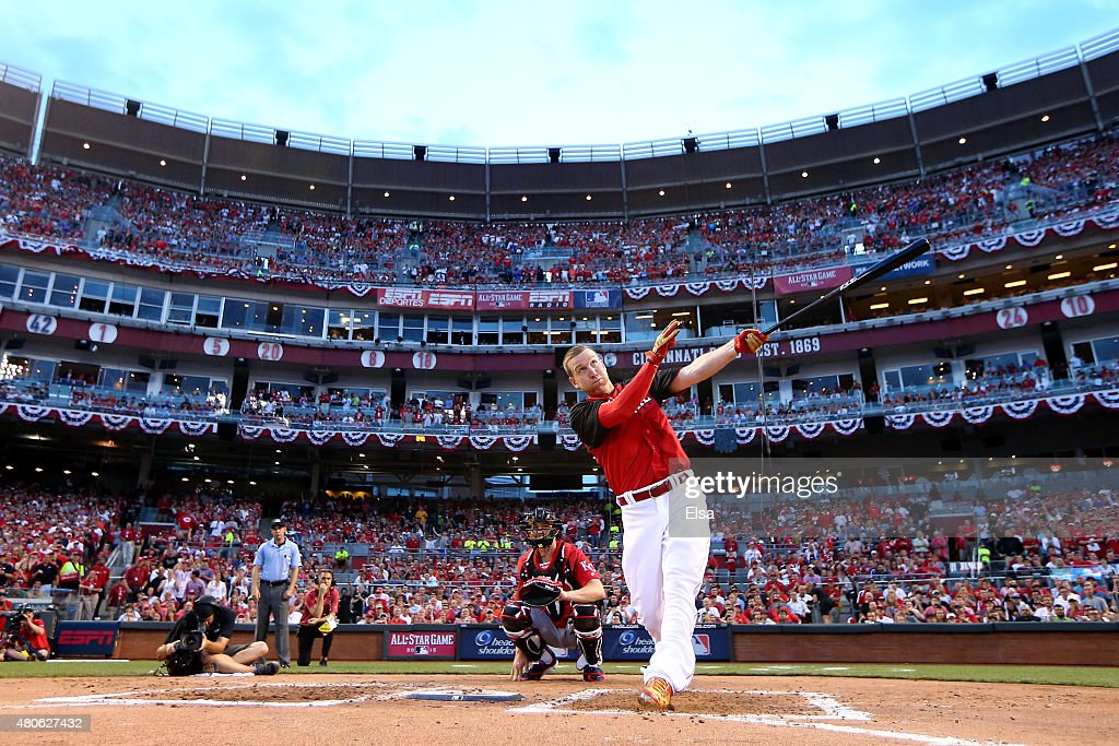 National League All-Star Todd Frazier #21 of the Cincinnati Reds bats during the Gillette Home Run Derby presented by Head & Shoulders at the Great American Ball Park on July 13, 2015 in Cincinnati, Ohio.