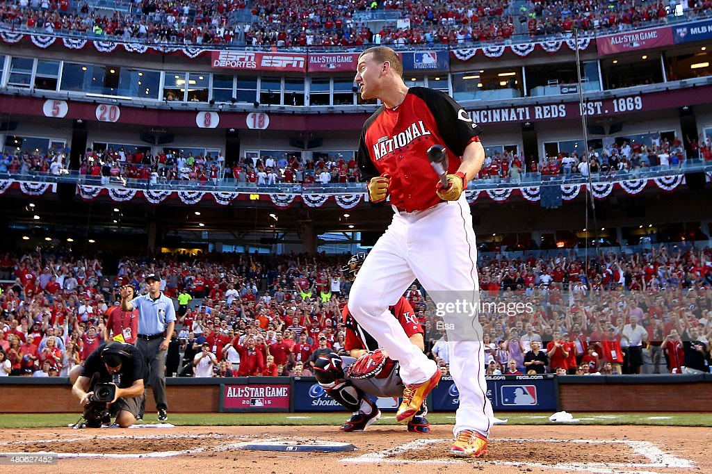 National League All-Star Todd Frazier #21 of the Cincinnati Reds reacts during the Gillette Home Run Derby presented by Head & Shoulders at the Great American Ball Park on July 13, 2015 in Cincinnati, Ohio.