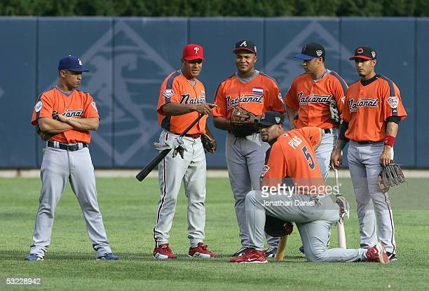 National League AllStars Cesar Izturis of the Los Angeles Dodgers Bobby Abreu of the Philadelphia Phillies Andruw Jones of the Atlanta Braves and...