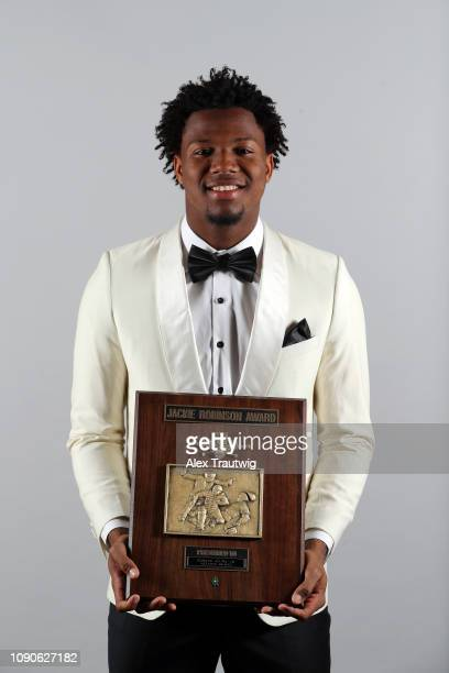 National League Jackie Robinson Rookie of the year Ronald Acuña Jr of the Atlanta Braves poses for a photo during the 2019 Baseball Writers'...