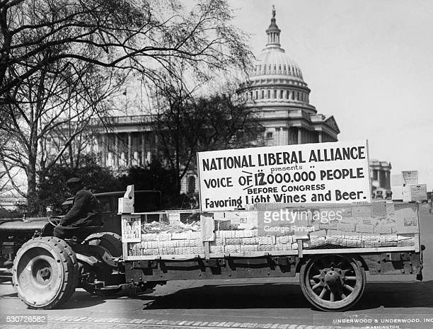 National Liberal Alliance gathering petitions to modify the Volstead Act