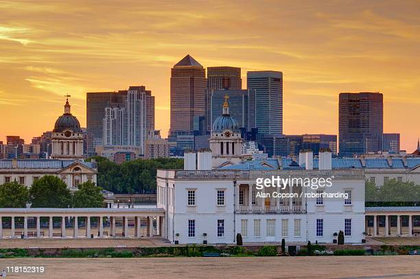national maritime museum with canary wharf in dockland on skyline, greenwich, london, england, united kingdom, europe - alan copson stock pictures, royalty-free photos & images