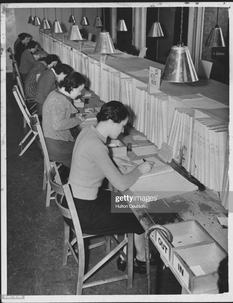 Women Noting Changes of Address at UK National Register, 1940 : News Photo