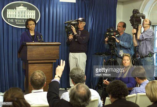 S National Security Adviser Condoleezza Rice briefs reporters about President George W Bush plans to discuss the Argentine economy with Argentine...