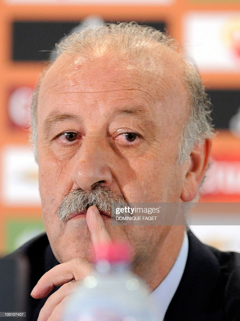 National Spanish football team's coach Vicente del Bosque gives a press conference on May 20, 2010 in Madrid to announce the team members selected for the 2010 World Cup squad in South Africa.