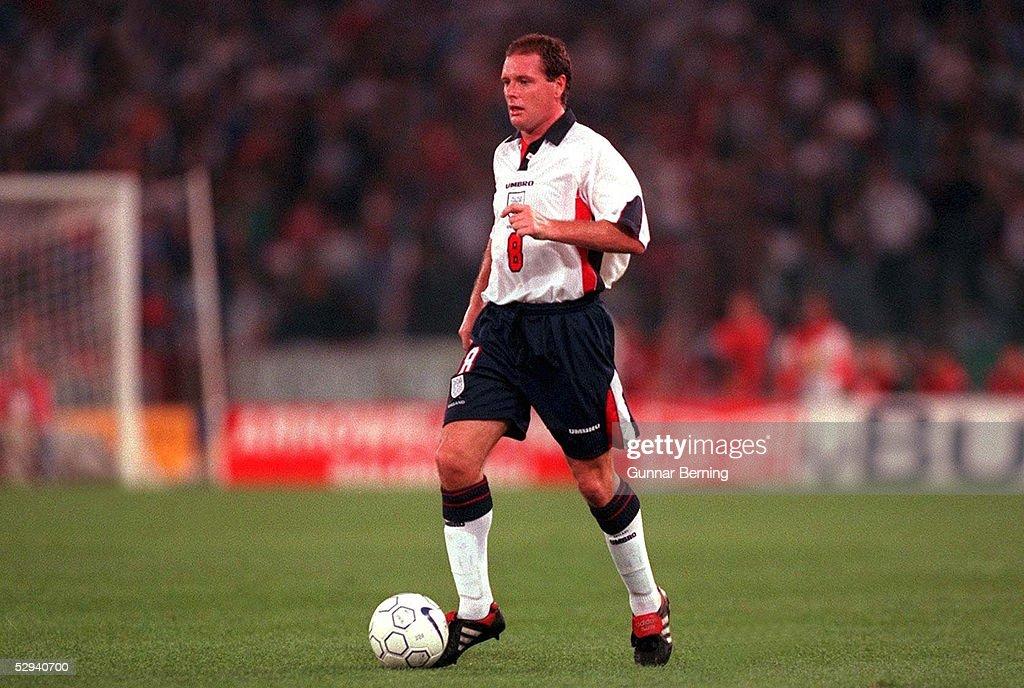 FUSSBALL: Nationalmannschaft ENGLAND Rom, 11.10.97 : News Photo