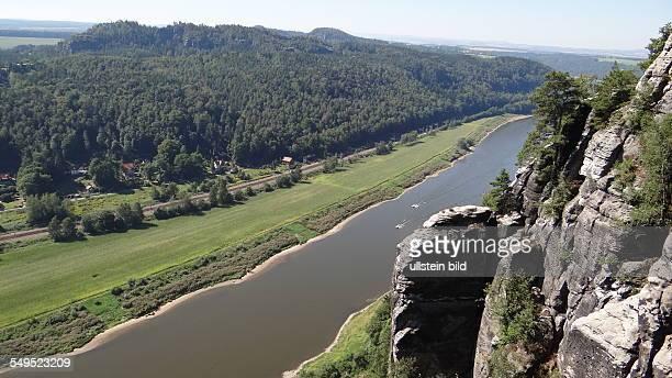Nationalpark Sächsische Schweiz Ausblick von der Bastei auf die Elbe