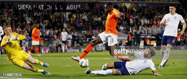 Nations League Finals NederlandEngeland IKyle Walker schampt de bal waarvan Quincy Promes profiteert Keeper Jordan Pickford is kansloos 21 voor...