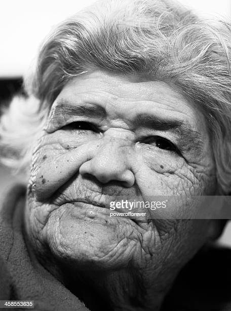 native rapanuian woman - polynesian culture stock photos and pictures