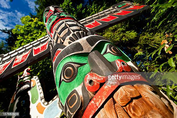 native totem pole in bc - totem pole stock pictures, royalty-free photos & images
