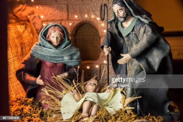 nativity scene - nativity scene stock photos and pictures