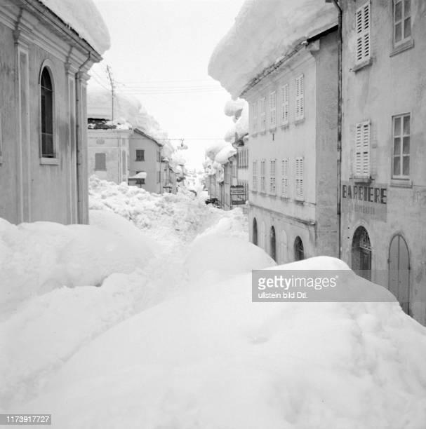 Natur, Naturkatastrophe, Lawine, Nature, Natural Disaster, Avalanche, Wetter, Schnee, Weather, Snow, Jahreszeit, Winter, Season, Zusammenleben,...
