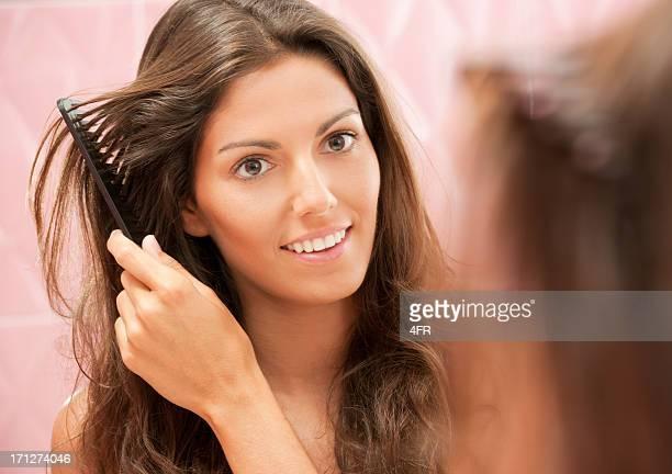 Natürliche schöne Frau styling Ihr Haar (XXXL)