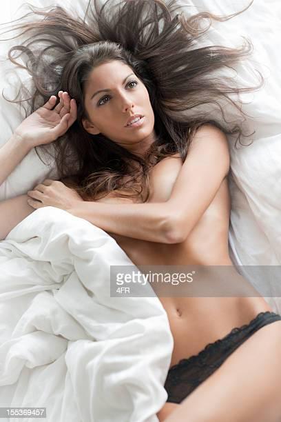 Natürliche Schönheit liegt im Bett (XXXL
