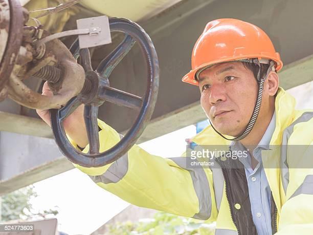 天然ガスプラントエンジニアーズ動作にパイプの植物油