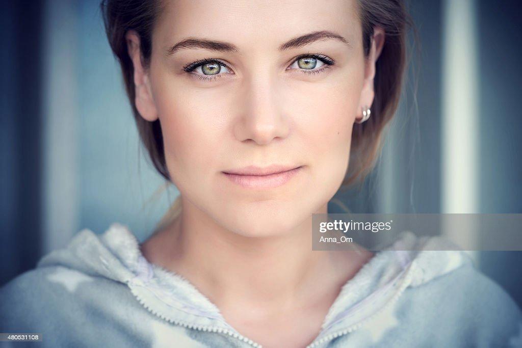 Natural portrait of a beautiful woman : Stockfoto