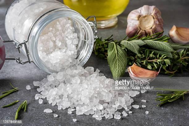 natural rock salt - sal de cozinha - fotografias e filmes do acervo