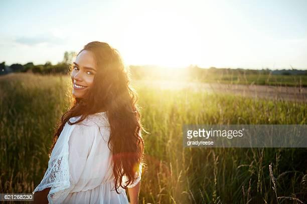 natureza é minha definição de beleza - cabelo preto - fotografias e filmes do acervo