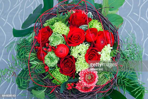 Nature Plants Flowers Bunch Of Birthday Bouquet Red Roses Buttercups Ranunculus Gerbera