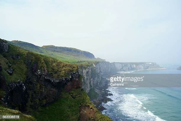 Nature trail to Carrick-a-rede-rope bridge