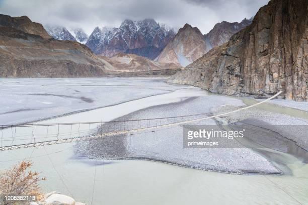 カラコルム山脈、k2、ナンガパルバト、パス渓谷、氷河のパキスタンの自然の景色の秋。 - イスラマバード ストックフォトと画像