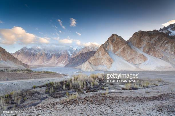 nature view landscape autumn of the pakistan in karakorum mountains , k2 and nanga parbat , pasu valleys and glaciers. - pakistan stock pictures, royalty-free photos & images