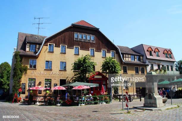 Naturpark Maerkische Schweiz / Stadt Buckow / Markt mit Linden Hotel / Brandenburg