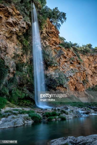 navajas. brazal waterfall - カステリョン ストックフォトと画像