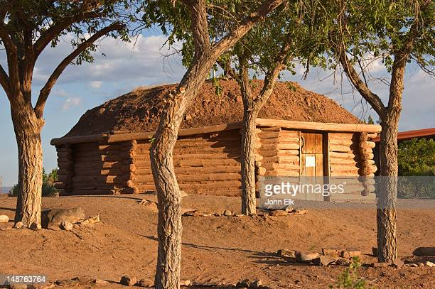 navajo hogan (house), canyon de chelly. - navajo hogan stock photos and pictures