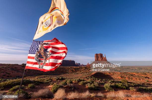 """navajo nation flag, and modified american flag with """"end of the trail"""" which is all public domain. - ナバホ文化 ストックフォトと画像"""