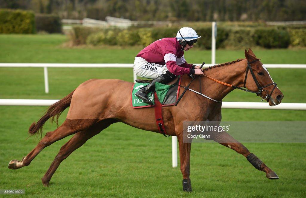 Horse Racing from Navan : News Photo