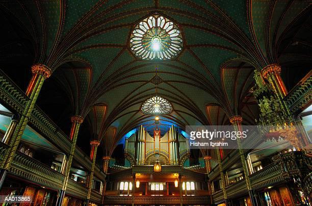 nave of la basilique notre dame - notre dame de montreal stock photos and pictures