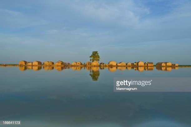 navigation along niger river - ニジェール ストックフォトと画像