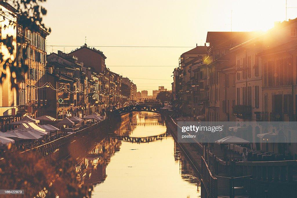 Naviglio Grande bei Sonnenuntergang. : Stock-Foto