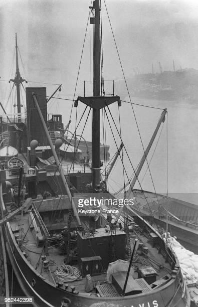Navire sur les docks à Londres en Angleterre au RoyaumeUni en 1936