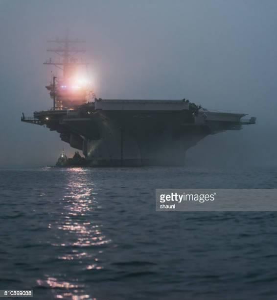 marina norteamericana aircraft carrier - navy seals de los estados unidos fotografías e imágenes de stock