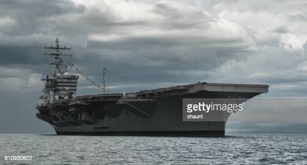 米国海軍航空母艦 - 航空母艦 ストックフォトと画像