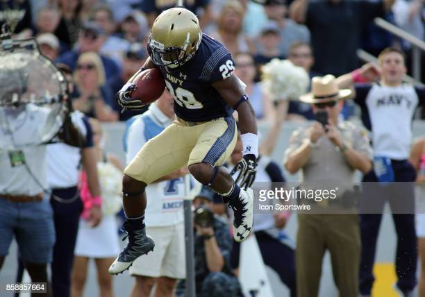 Navy Midshipmen running back Darryl Bonner rushes for a touchdown during a match between Navy and Air Force on October 07 at NavyMarine Corps...