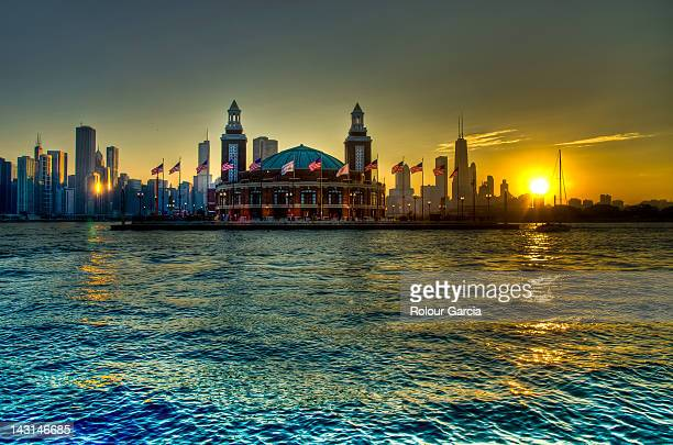navy pier at sunset - rolour garcia stock pictures, royalty-free photos & images