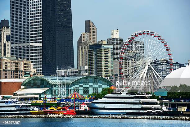navy pier from lake michigan, downtown chicago - navy pier stock pictures, royalty-free photos & images