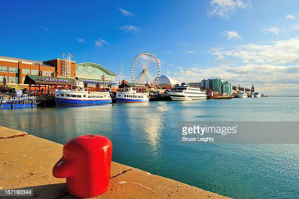 navy pier in early morning - navy pier stock pictures, royalty-free photos & images