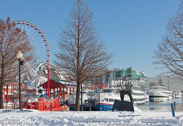 navy pier in winter, chicago downtown - navy pier stock pictures, royalty-free photos & images