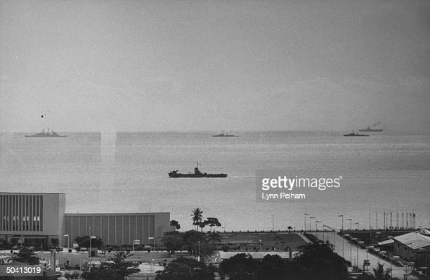 US Navy ships waiting off Santo Domingo coast during political unrest