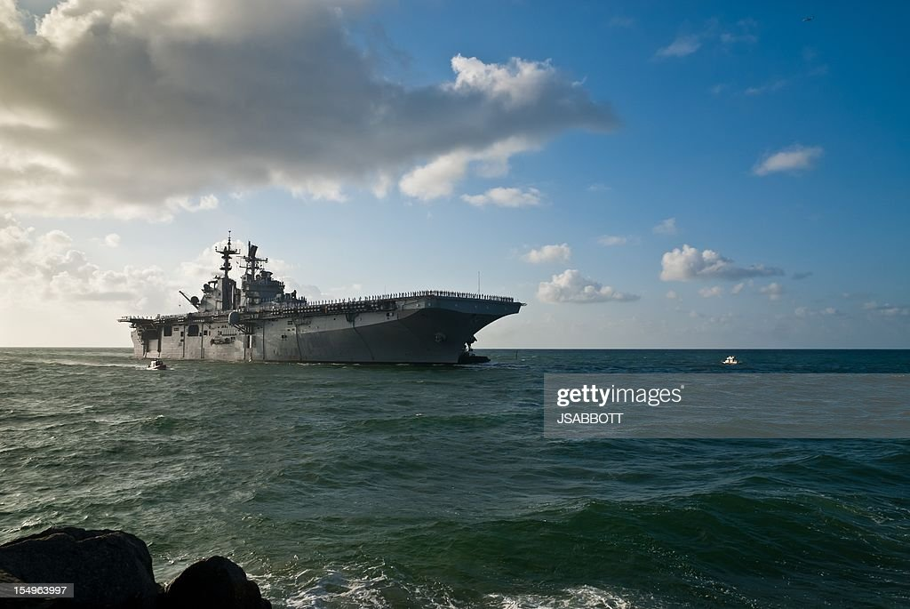 U.S. Navy Warship : Stock Photo