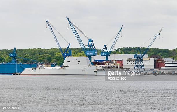 navy novo stealth destruidor, o zumwalt - contratorpedeiro - fotografias e filmes do acervo